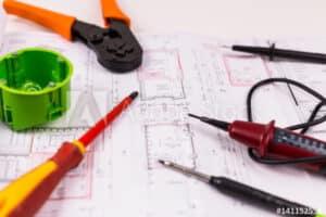 Grundrissplan mit Werkzeugen und Schalterdose